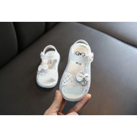 Sandale ivoire cu iepuras cu bilute (Marime Disponibila: Marimea 24) MBB02-1-SI